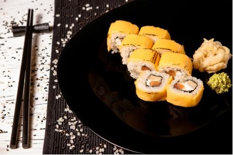 Ролл сырный с лососем х/к